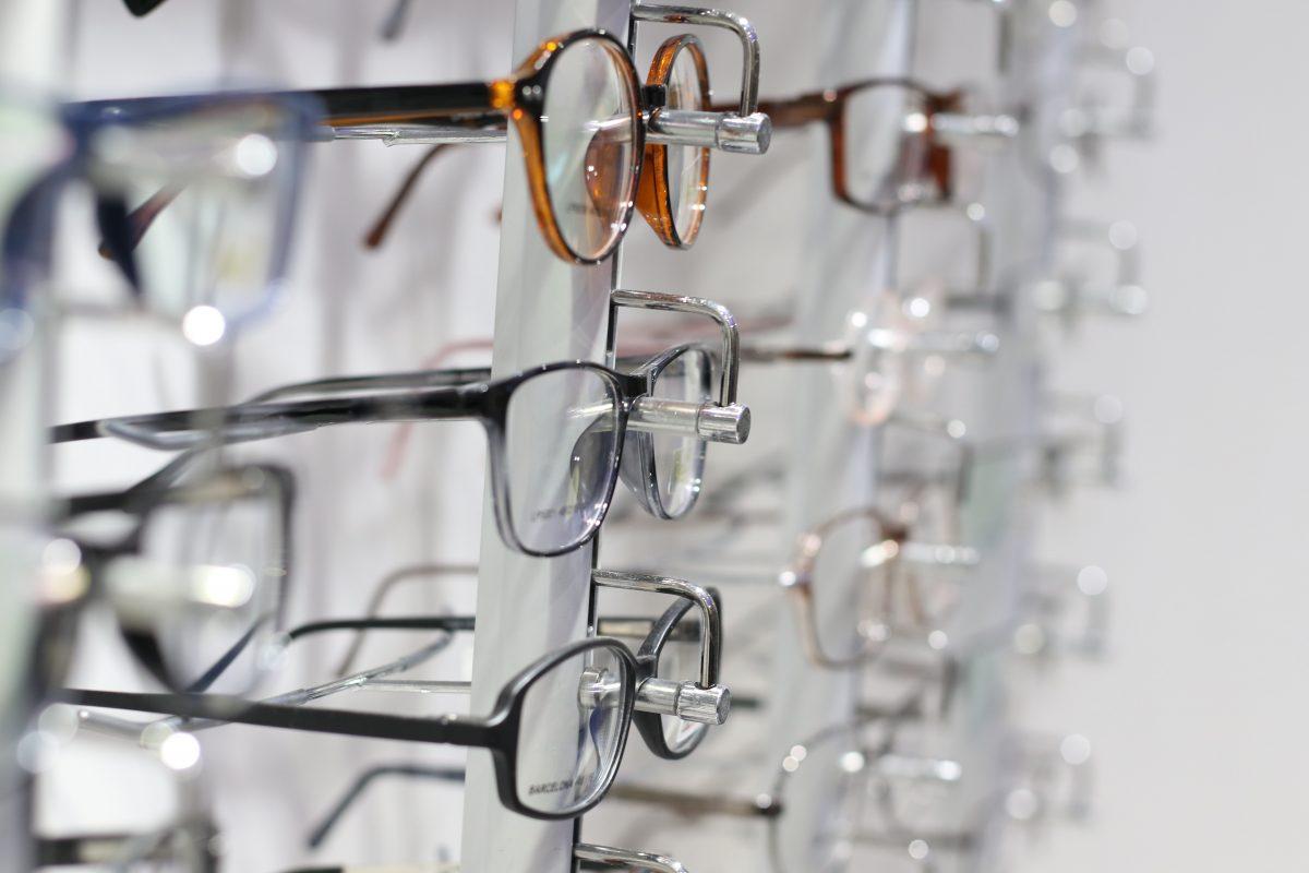 Gọng kính vừa mang tính thời trang, vừa hỗ trợ người đeo trong điều trị mắt