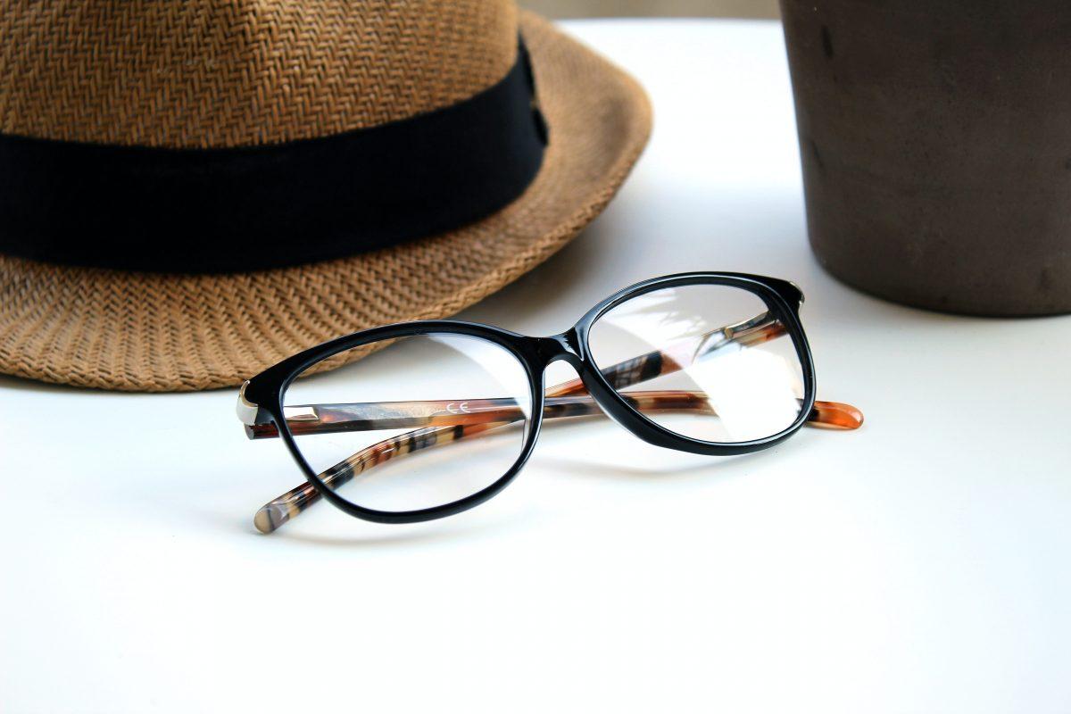Tròng kính là bộ phận quan trọng nhất của một chiếc kính thuốc