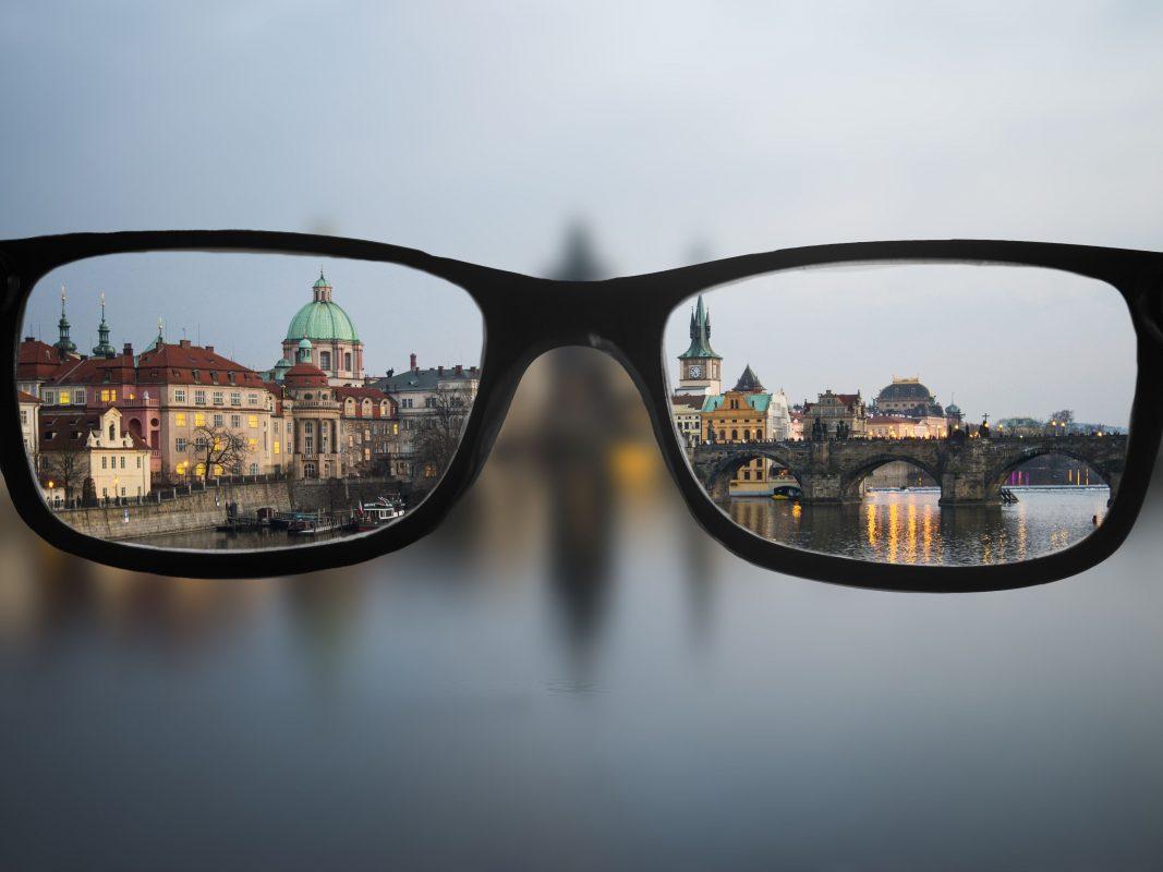 Cải thiện tầm nhìn bằng việc lựa chọn kính thuốc chất lượng
