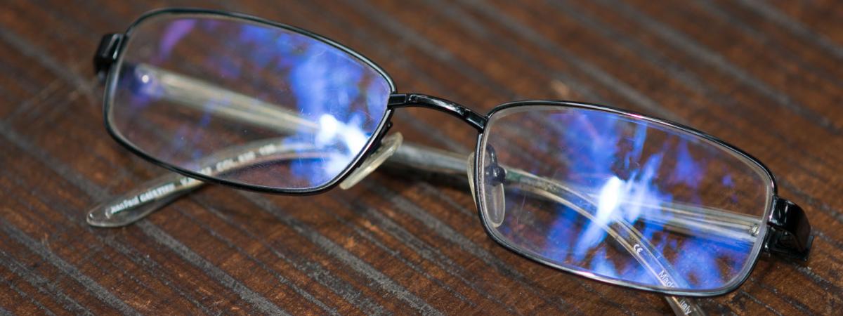 Kính có lọc tia sáng xanh khác biệt ở lớp coating